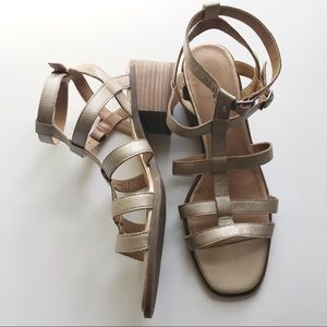 Lucky Brand sz 9 block heel gladiator sandals